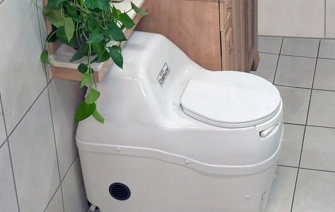 How to Prep and Dump the Composting Toilet