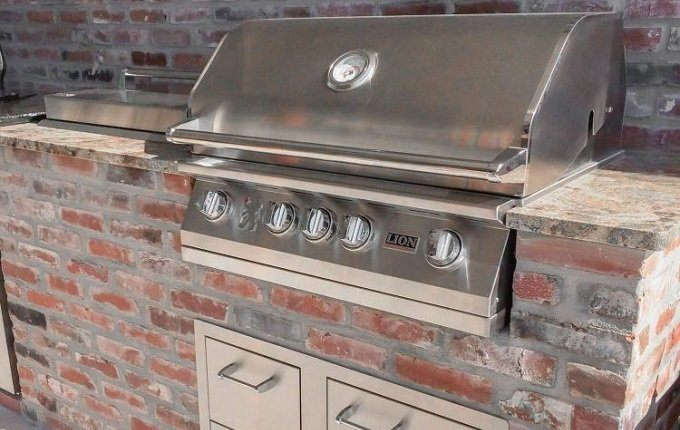 How to Use and Maintain the Built-In Grill