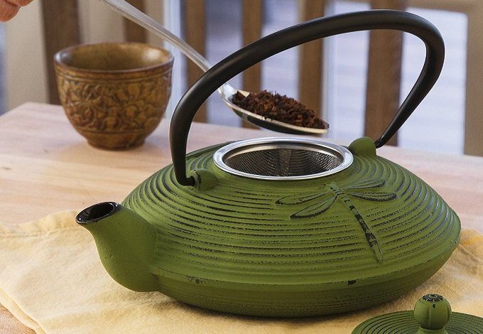 How to Brew Tea in Cast Iron Teapot