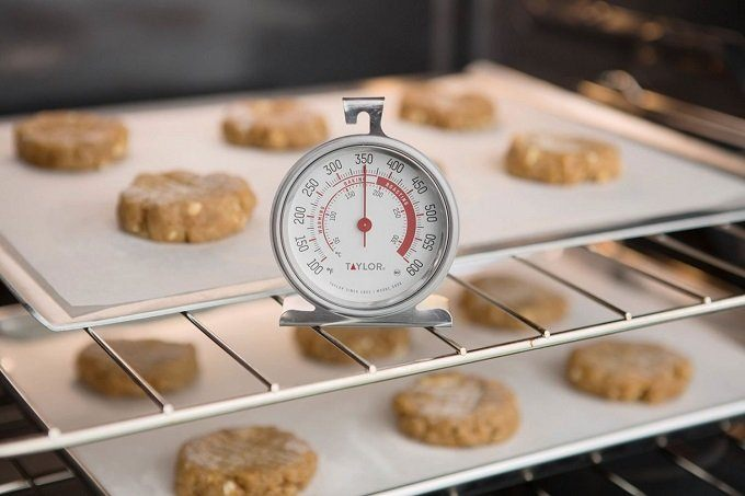 How to Buy the Best Oven Thermometer