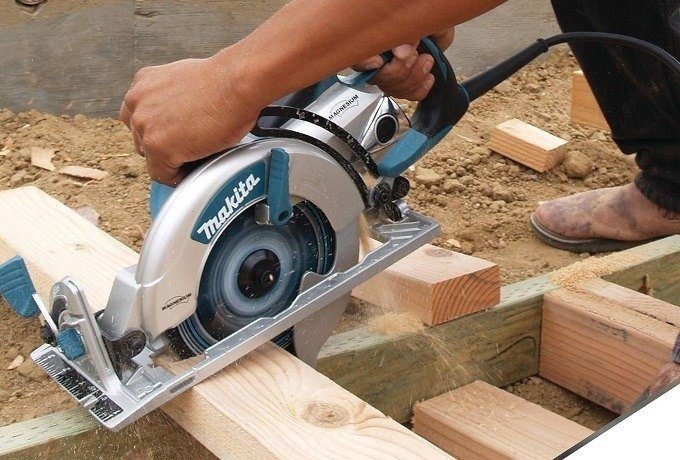 Worm Drive vs. Standard Circular Saw