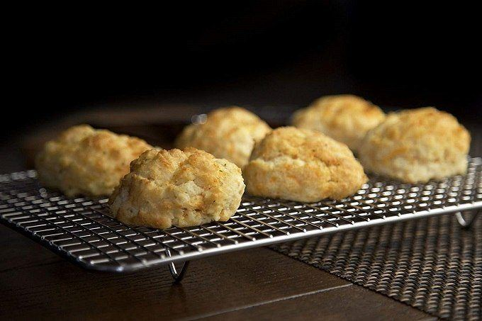 How to Buy the Best Cooling Rack