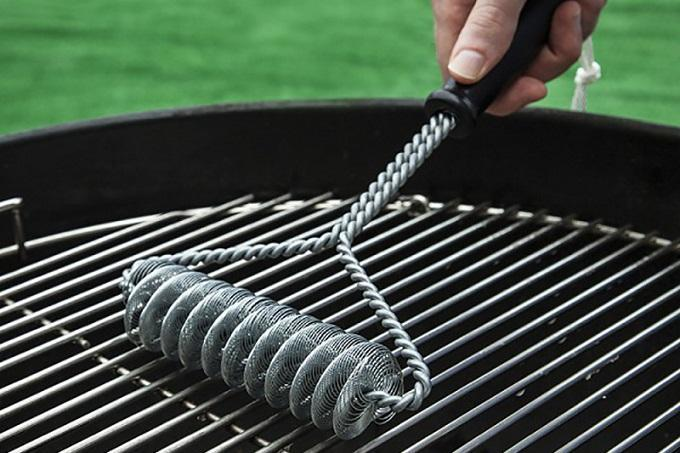 How to Clean a Grill Brush
