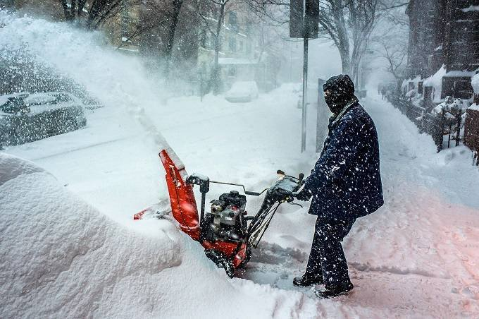 How to Buy the Best Budget Snow Blower