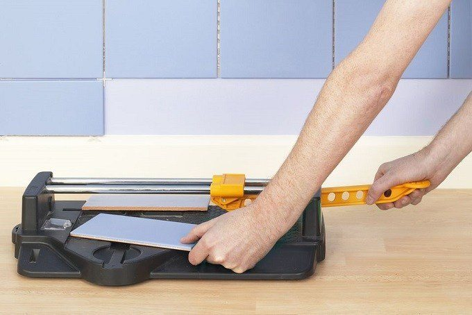 How to Buy the Best Manual Tile Cutters