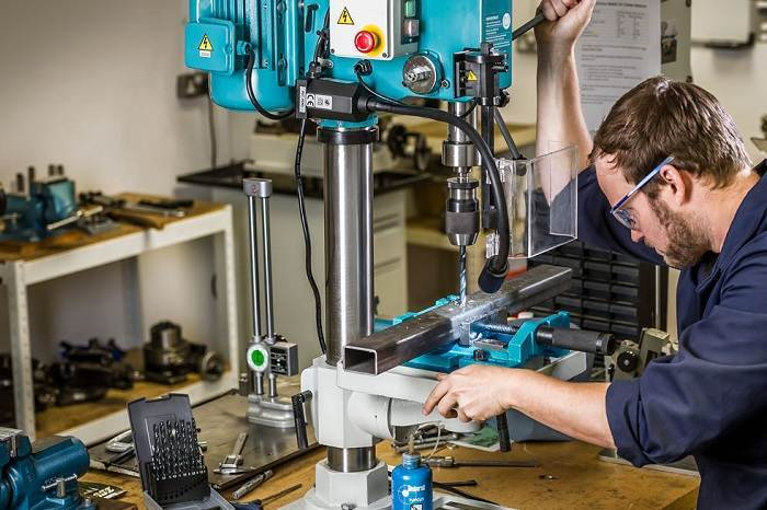 How to Buy the Best Benchtop Milling Machines
