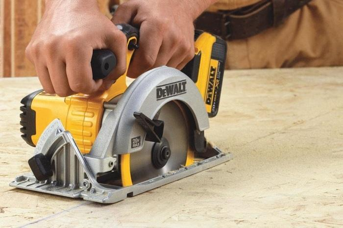 How to Buy the Best Cordless Circular Saw