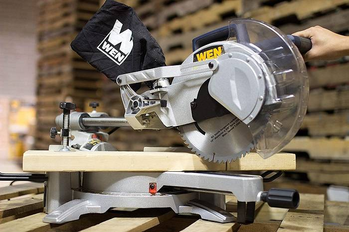 How to Buy the Best Sliding Miter Saw