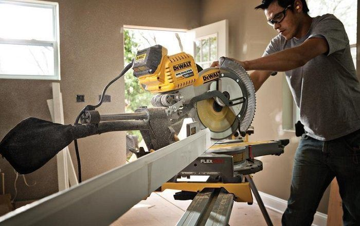 How to Buy the Best Cordless Miter Saw