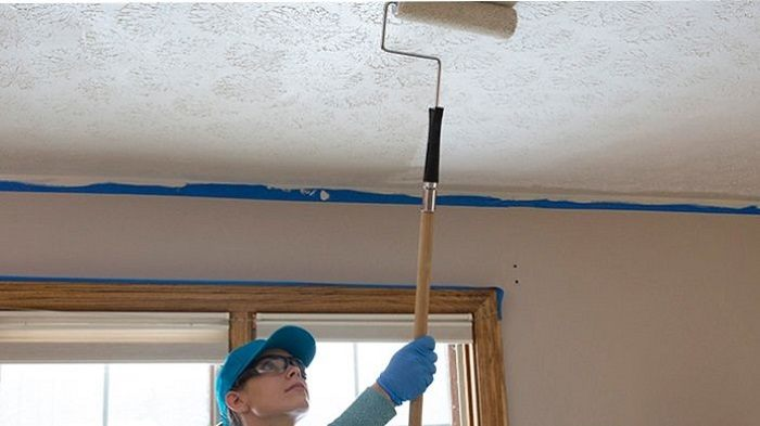 How to Buy the Best Paint Roller for Ceilings