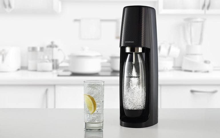 How to Use A Sparkling Water Maker