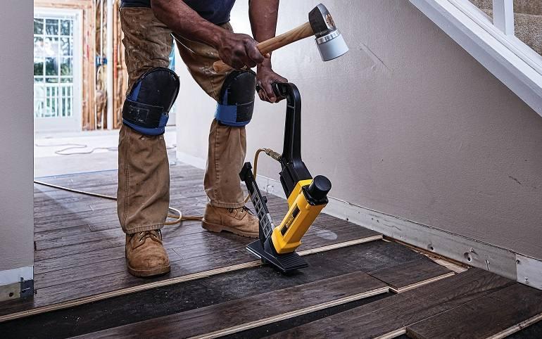 Lightweight Pneumatic Flooring Nailer