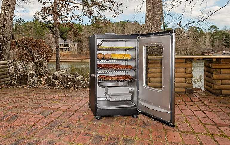 Tips for Cleaning & Maintaining An Electric Smoker