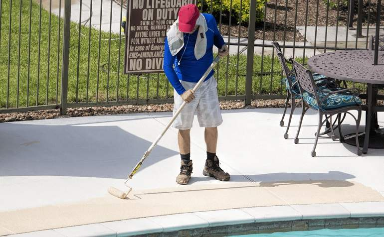 5 Best Pool Deck Paints Of 2021 Homegearx