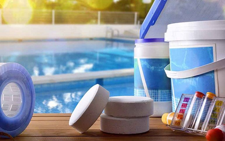 How to Control Phosphate Levels in a Pool