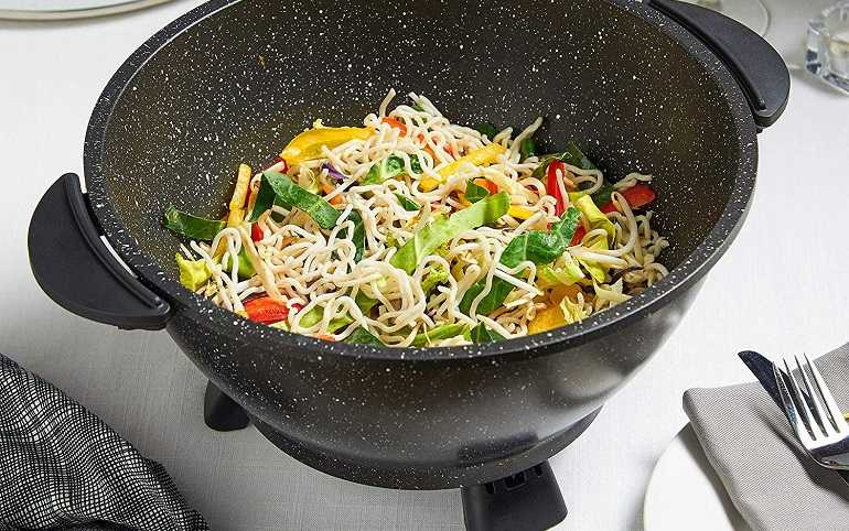 How to Use an Electric Wok
